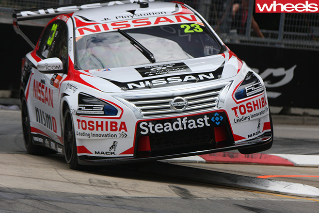 V8-Supercars -Nissan -Altima -racing -in -Sydney