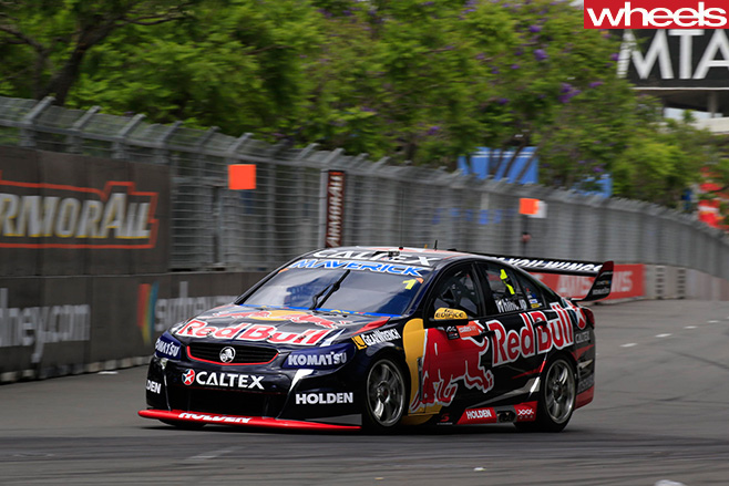 V8-Supercars -Holden -Commodore -racing -in -Sydney