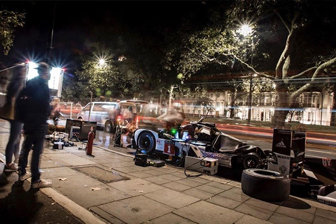 Mark -Webbers -Porsche -919-Hybrid -night -london