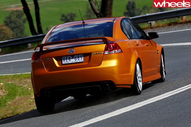 2009-Commodore -SV6-driving