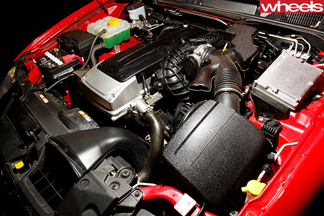 2009-Ford -Falcon -XR6-engine -bay