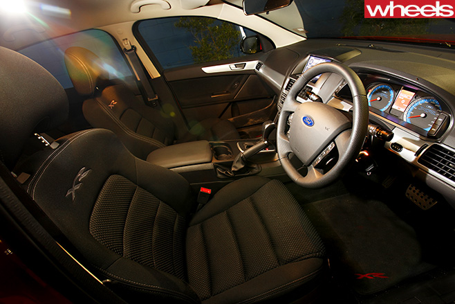 2009-Ford -Falcon -XR6-interior