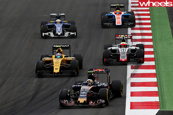 F1-cars -cornering -f 1-track