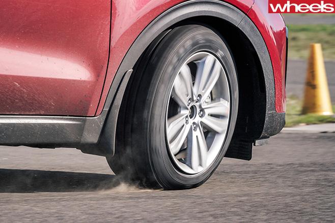 Kia -Sportage -tyre -and -rim
