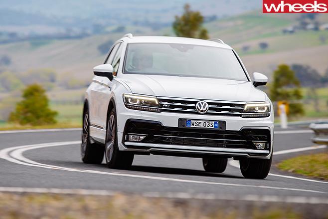 Volkswagen -Tiguan -R-Line -driving -front