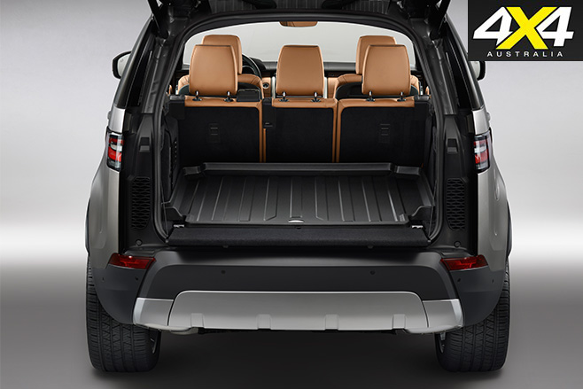 2017 Land Rover Discovery rear table