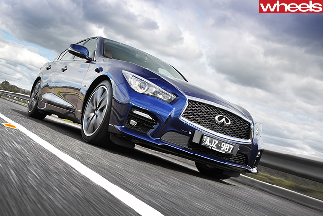 Infiniti -Q50-S-driving -front