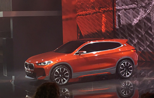 BMW-X2-side -Paris -Motor -Show -stage -front