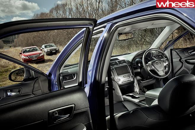 2012-Toyota -Camry -Hybrid -interior
