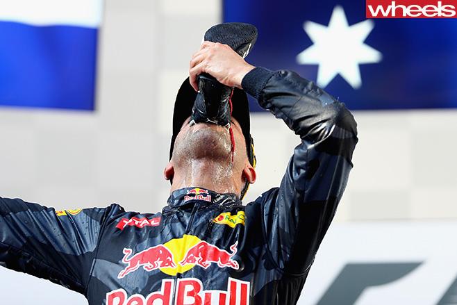 Shoey -Daniel -Ricciardo -Malaysian -GP-podium