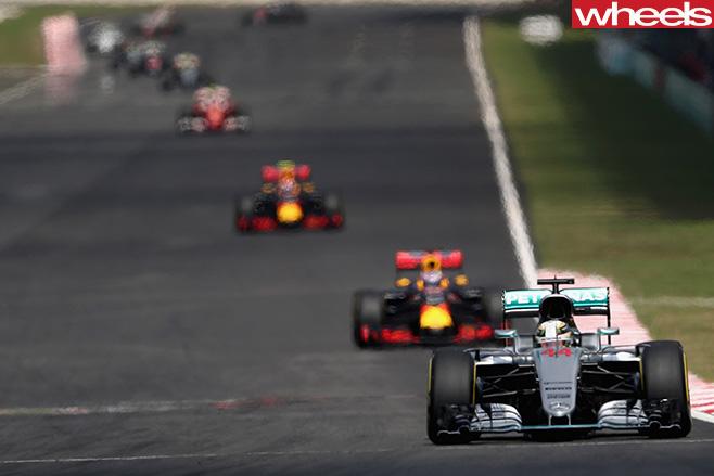 Daniel -Ricciardo -Malaysian -GP-race