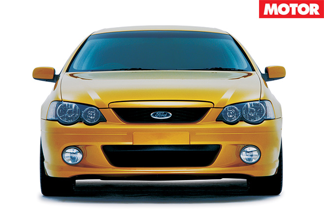Ford AU Falcon  XR8 front bumper -lights