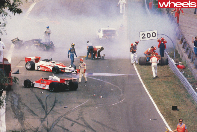 Ronnie -Peterson -crash -at -Bathurst