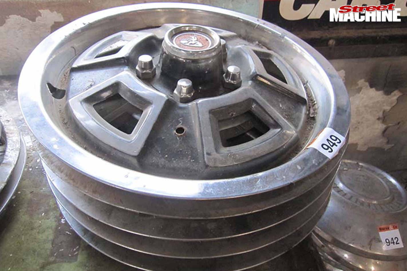 949-holden -auction -wheel