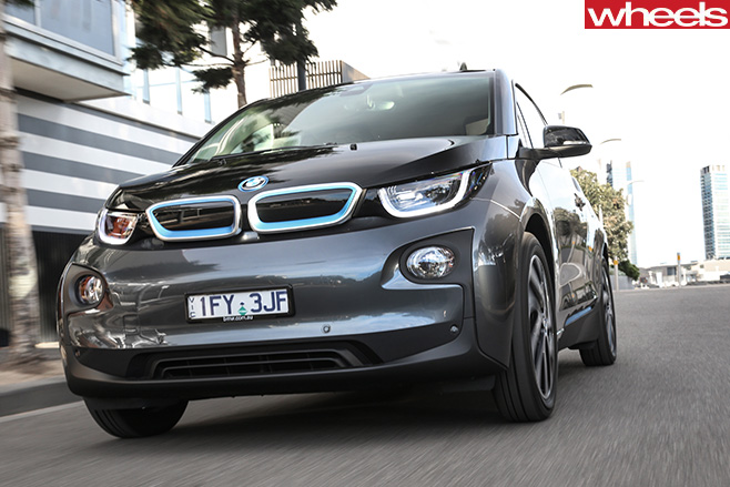 BMW-i 3-driving -front -grille