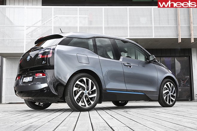 BMW-i 3-rear -side