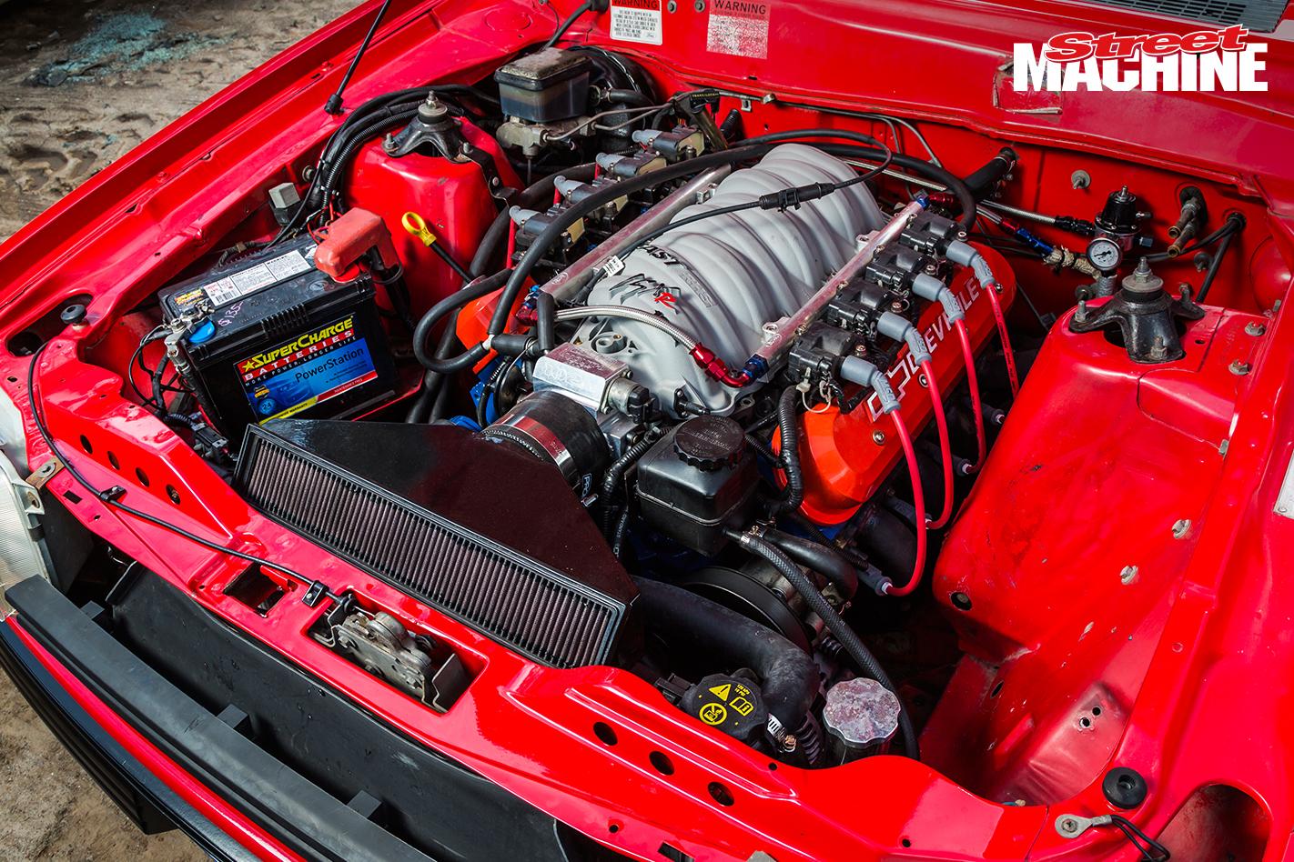 Ford XD Falcon Wagon LS Engine 2