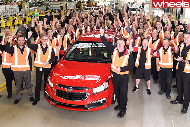 Elizabeth -plant -South -Australia -celebrating -Holden -Cruze -SRi -Z-series