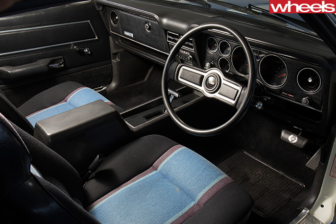 Ford -XC-Falcon -Cobra -interior