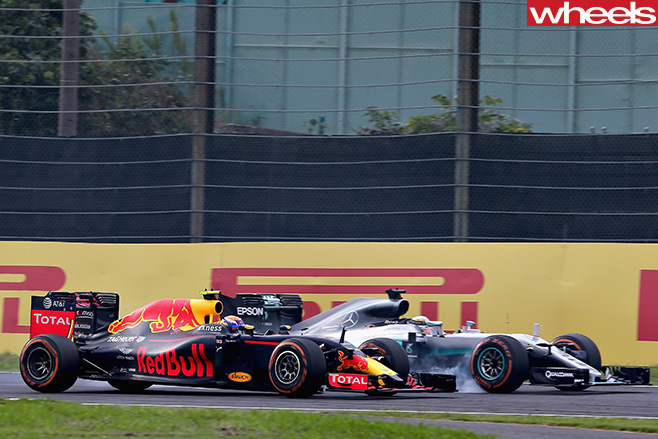 Japanese -F1-Grand -Prix -Mercedes -vs -Red -Bull
