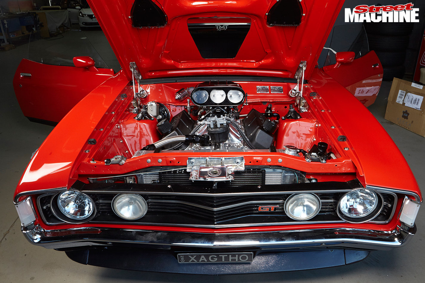 Ford -falcon -xa -engine -bay