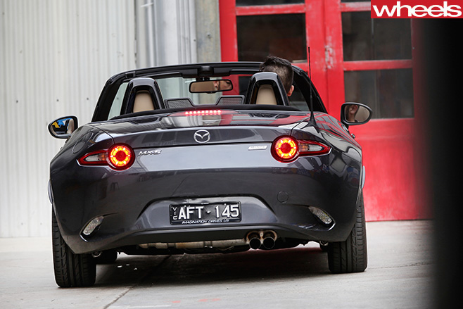 Mazda -MX-5-GT-roadster -rear