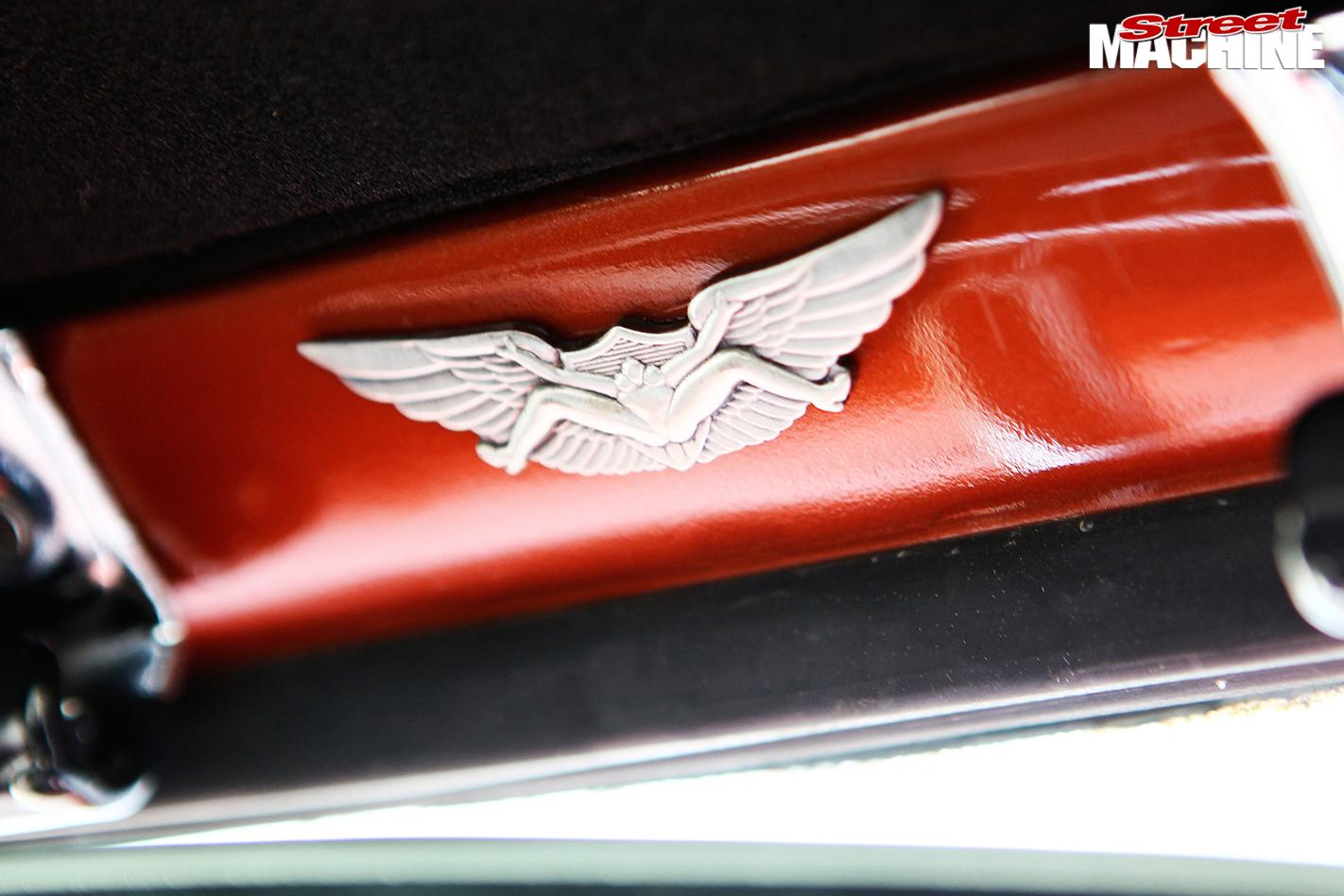 Ford -f 100-emblem