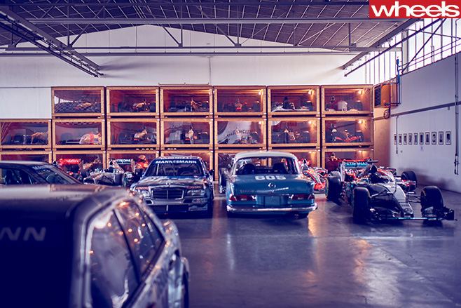 Mercedes -Benz -Classic -Centre -Holly -Halls -wall