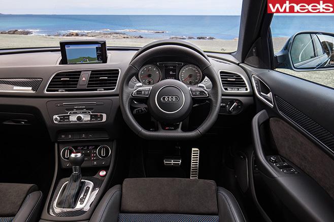 Audi -RS-Q3-interior -steering -wheel