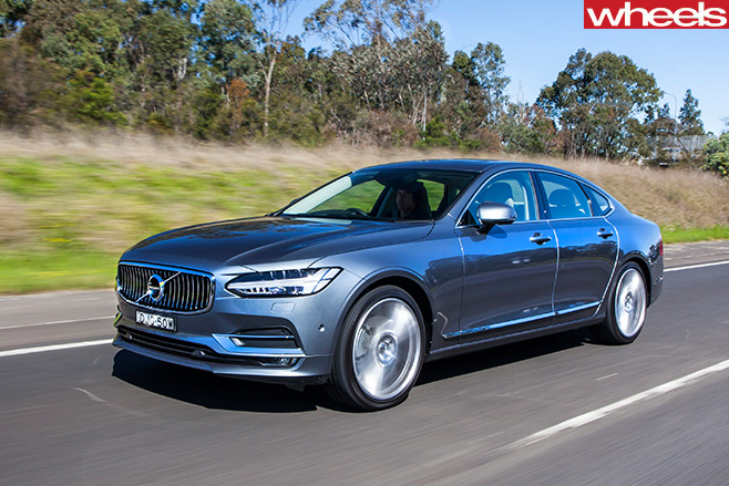 Volvo -S90-front -driving