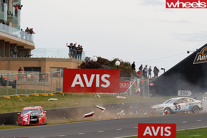Race -crash -Bathurst -1000