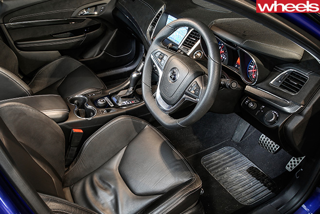 HSV-Clubsport -R8-interior