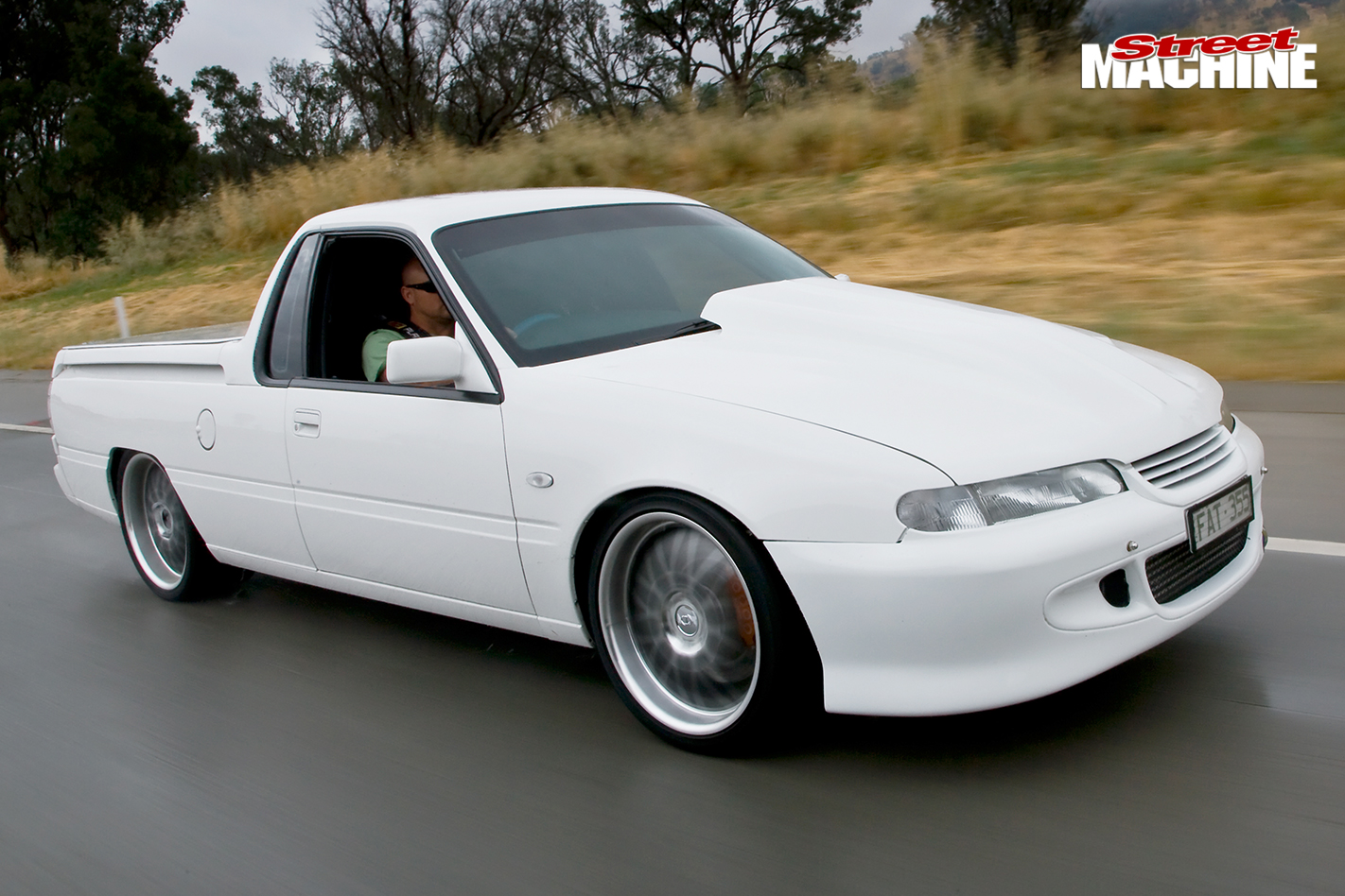 Holden -commodore -vr -ute -on -road