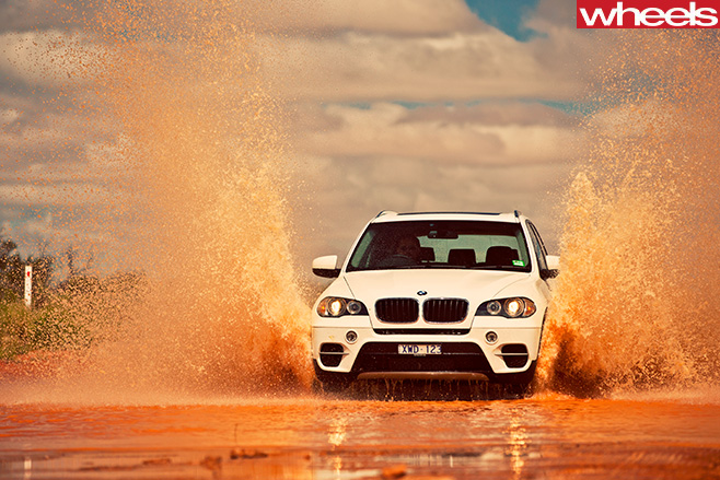 BMW-X3-driving -front