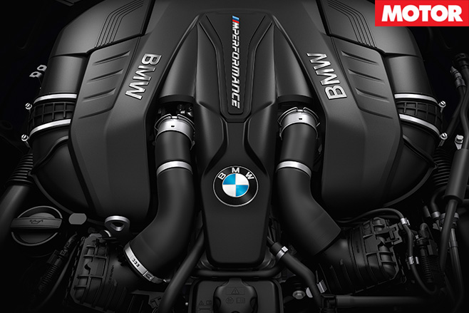 BMW M550i xDrive engine