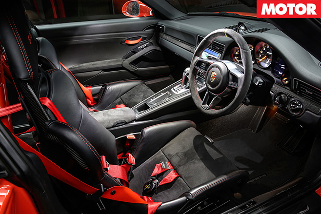 porsche 911 gt3 rs review price and specs. Black Bedroom Furniture Sets. Home Design Ideas