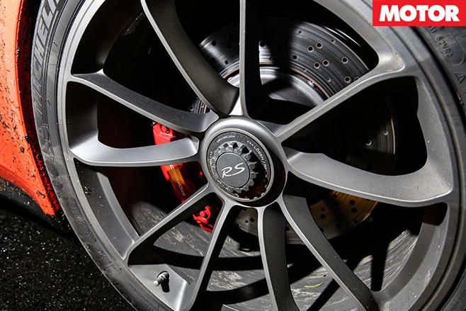 Porsche gt3 rs brakes