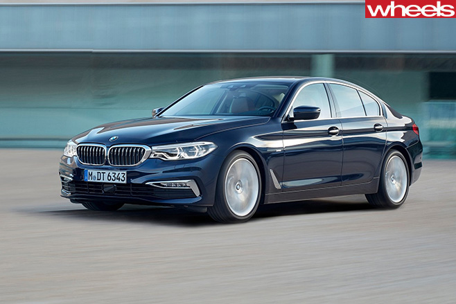 BMW-5-series -driving