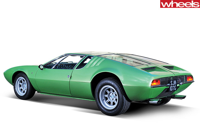 1967-De -Tomaso -Mangusta -rear -side
