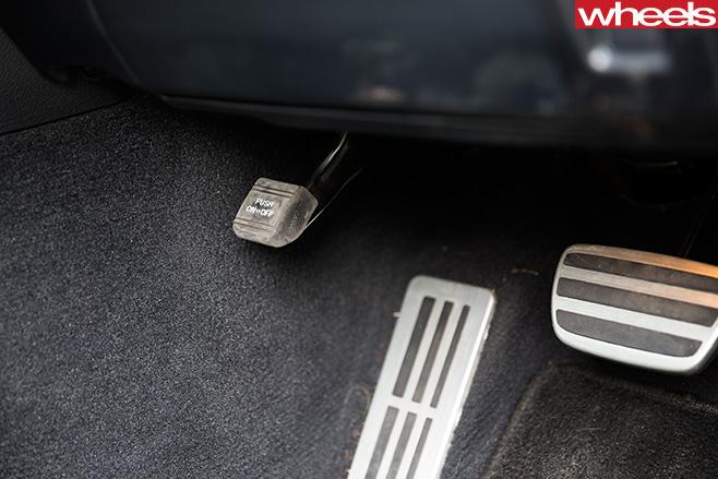 Lexus -Is 200t -race -pedals