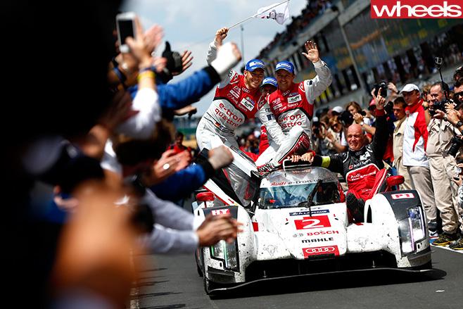 Porsche -team -celebrating -win