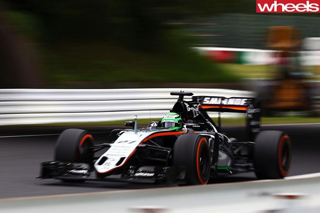 Nico -Hulkenberg -driving -sdie