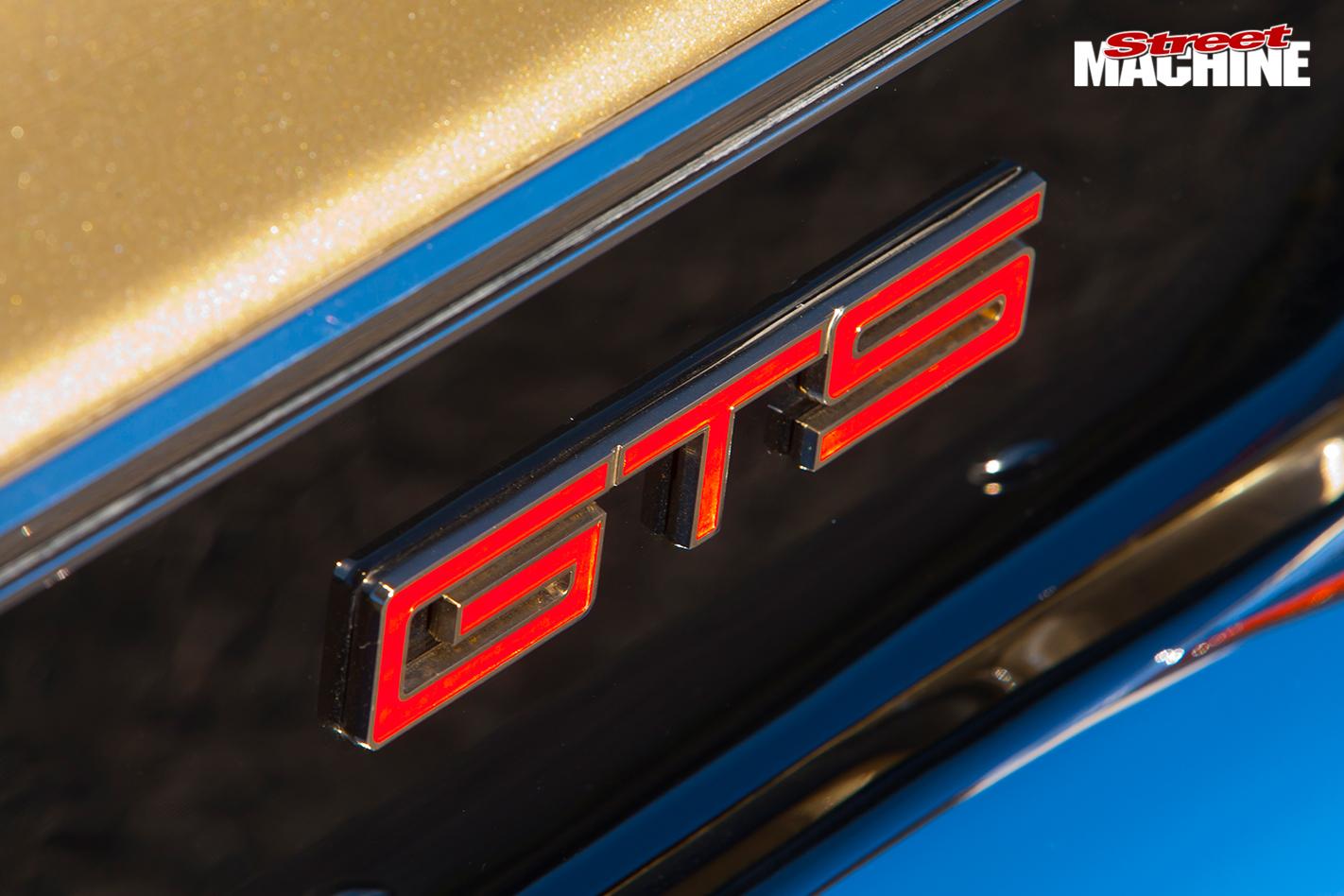 BLOWN-HOLDEN-HT-GTS-MONARO-badge