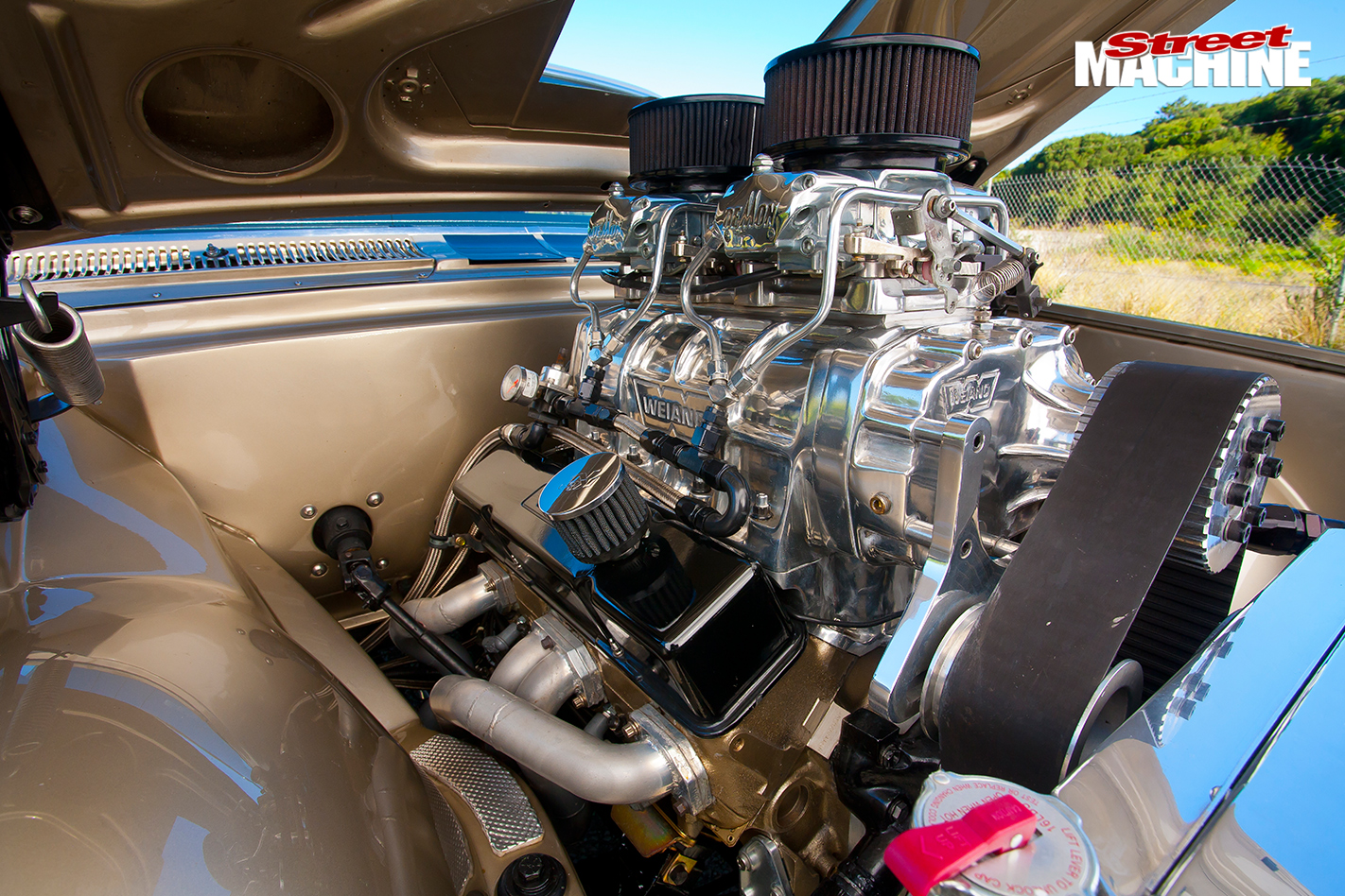 BLOWN-HOLDEN-HT-GTS-MONARO-engine