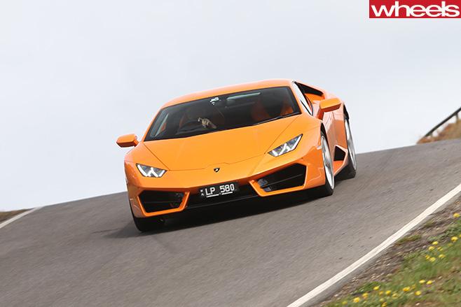 Lamborghini -Huracan -driving