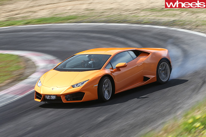 Lamborghini -Huracan -drifting