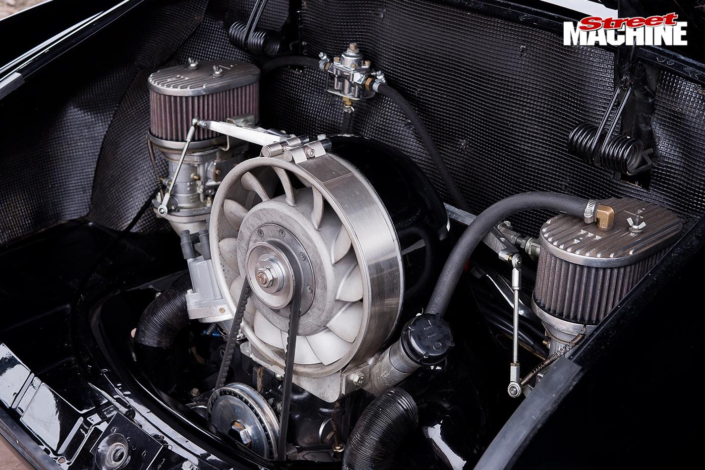 1961-VOLKSWAGEN-KARMANN-GHIA-engine -2