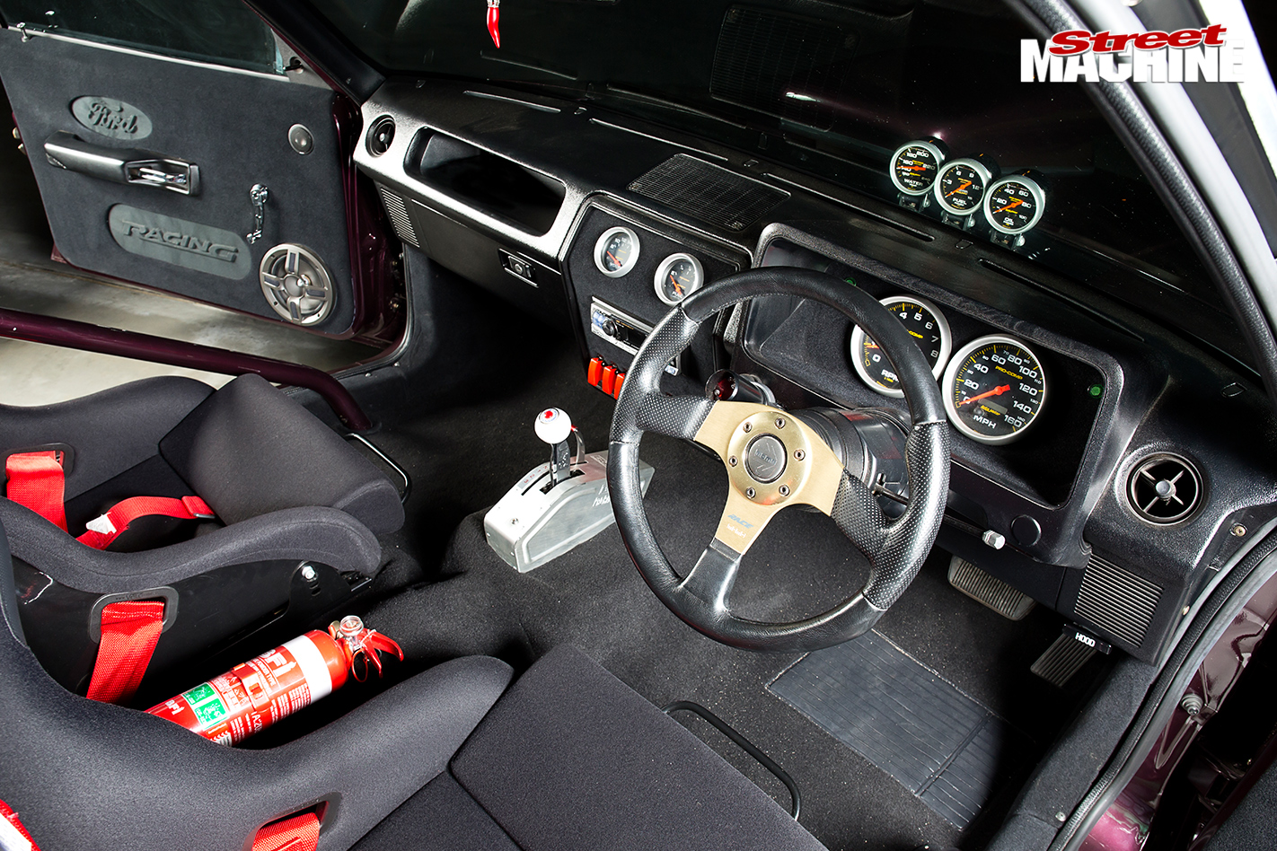 460-CUBE-FORD-XD-FAIRMONT-interior