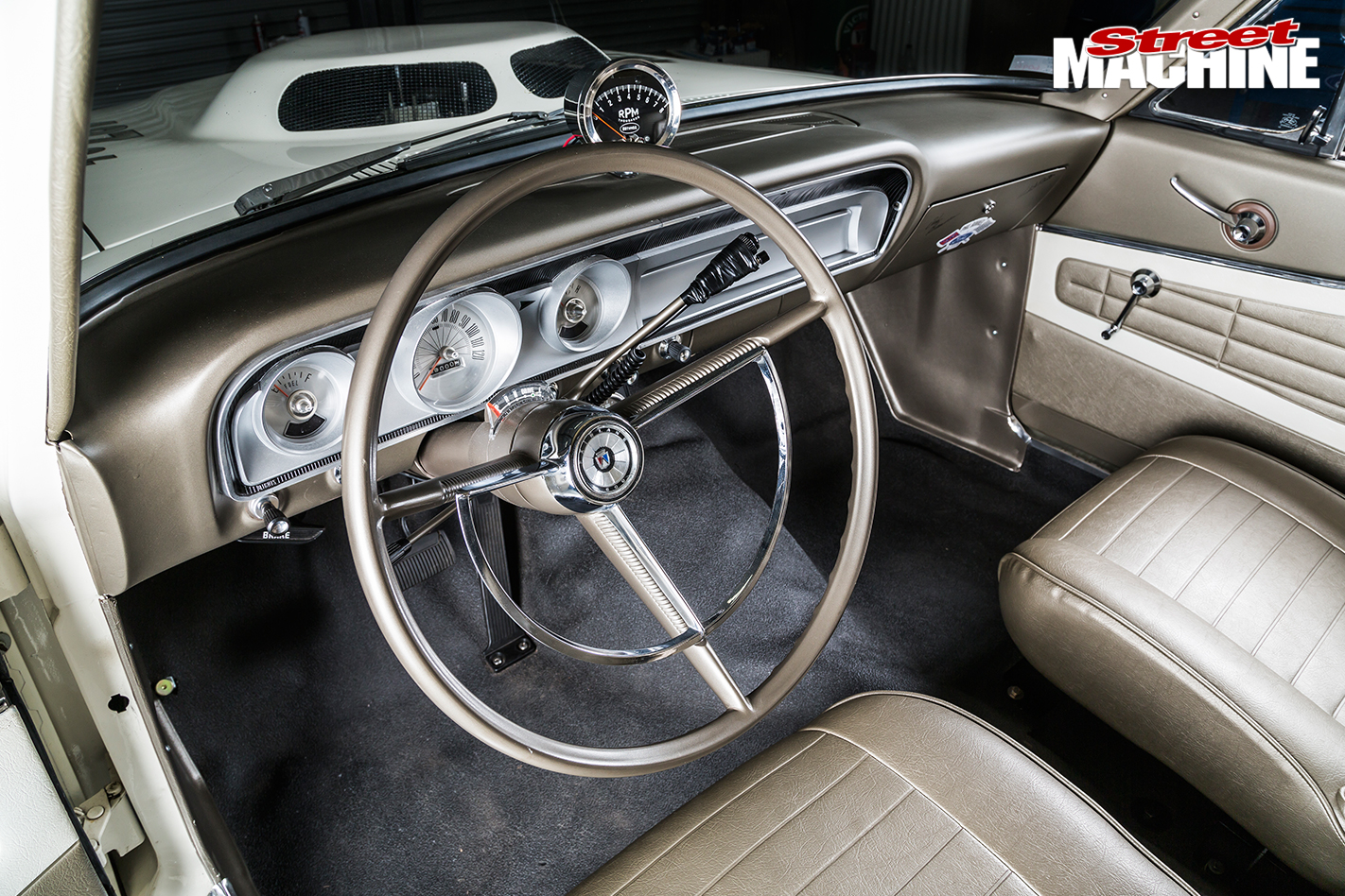 Replica ford fairlane thunderbolt interior