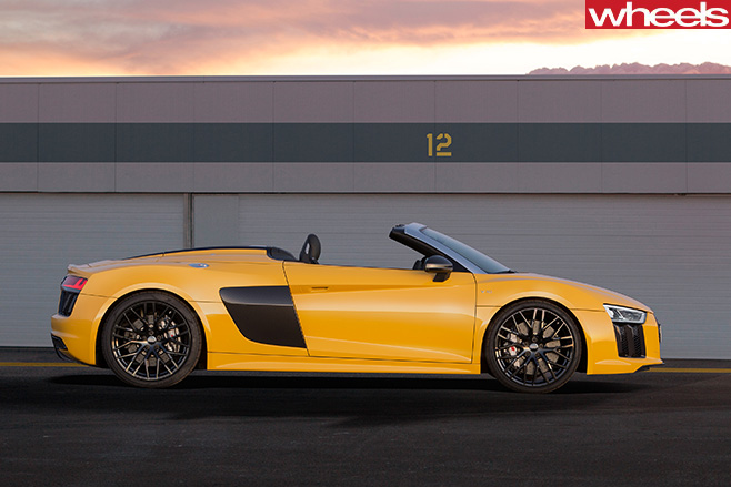 Audi -R8-spyder -parked -side